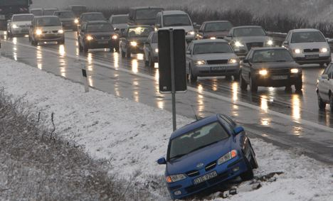 New snowfall causes series of road accidents