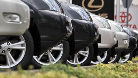 Auto sales plunge but exports surge