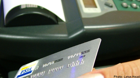 Robberies raise prospect of retail cash ban