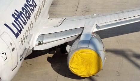 Transport Minister defends flight ban