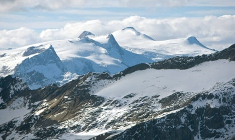 Four German hikers found alive after three days in snow