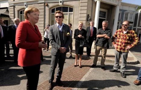 Merkel pushes closer ties with California