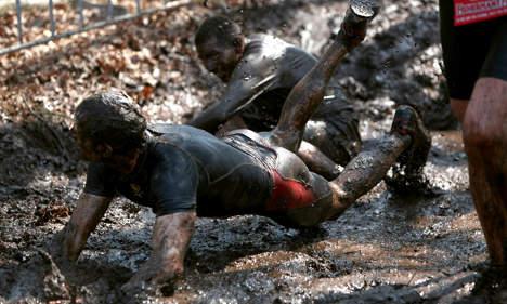 Stubborn 'strongmen' brave ash cloud for gruelling foot race