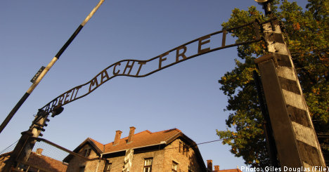 Poles quiz Swede over Auschwitz sign theft