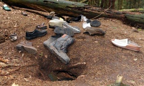 Shoe fetishist fox plundering townsfolk's footwear