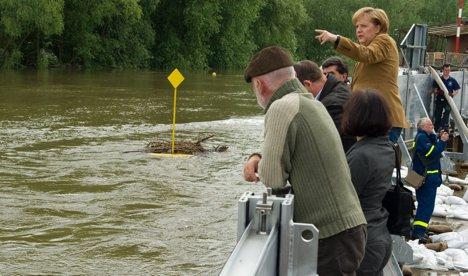 Merkel visits flood zone