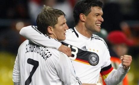 Ballack tells Schweinsteiger to lead World Cup team