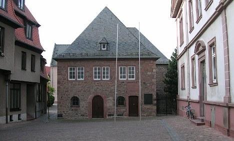 Arsonists attack Rhineland synagogue