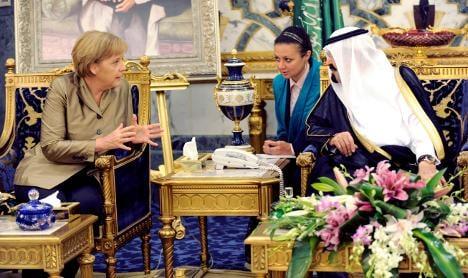 Merkel in Saudi Arabia for talks on Gulf tour