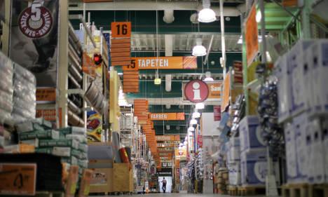 Hardware stores beat crisis as Germans take to nesting