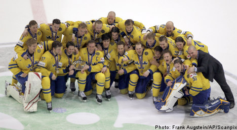 Swedes settle for world hockey bronze