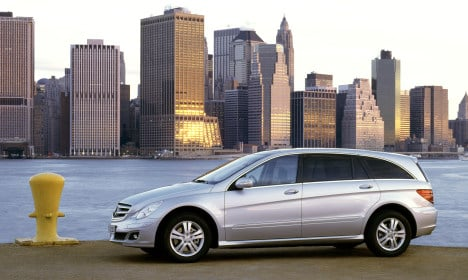 Daimler to stop trading on New York Stock Exchange