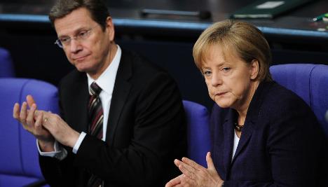 Parliament backs unpopular Greek bailout