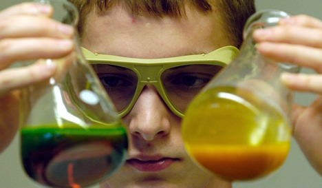 Five pupils injured in school chemistry experiment