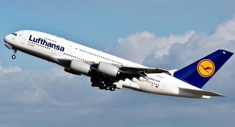 Lufthansa receives first A380 superjumbo