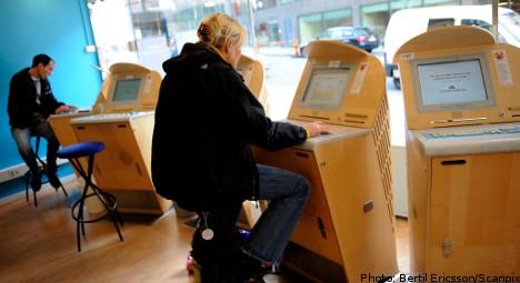 Swedish unemployment rises in April