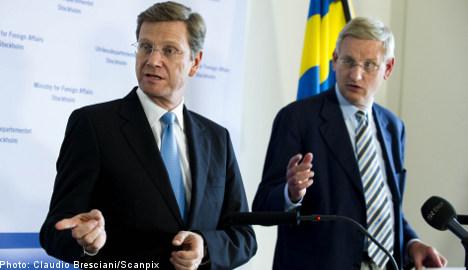 Bildt calls for action over Kyrgyzstan unrest