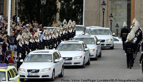 Volvo recalls 30,000 cars worldwide