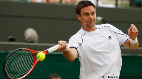 Söderling cruises into Wimbledon third round