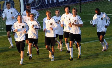Merkel praises diversity of national football team