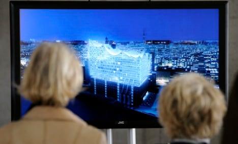 Showcase concert hall divides Hamburg