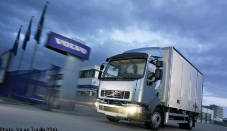 Volvo recalls 77,000 trucks