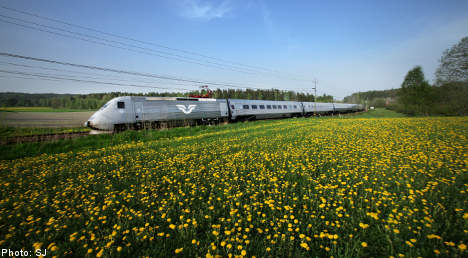 Passengers trapped on sweltering train