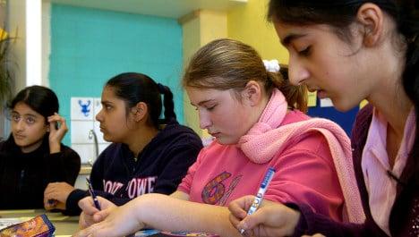 Fewer migrant children finish high school