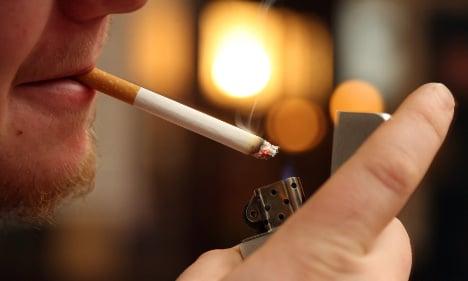 Social Democrats push for national smoking ban