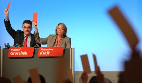 SPD and Greens approve coalition pact in NRW
