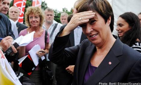 Sahlin slams Reinfeldt's tax cut pledge