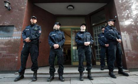 Hamburg shuts mosque visited by 9/11 terrorists