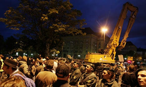 Police remove hundreds of Stuttgart 21 protestors
