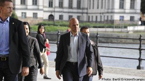 Alliance lead, far-right in parliament: poll