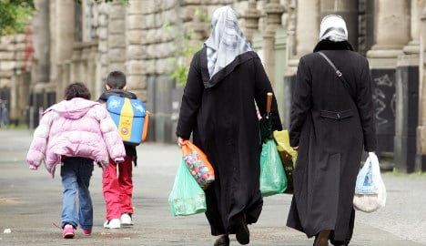 Migrant birthrates falling in Germany, study finds
