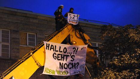 Stuttgart 21 protestors arrested for occupying digger