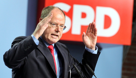 Poll places Steinbrück as possible Chancellor