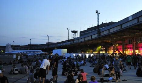 Berlin Festival pulls plug after crowd build-up