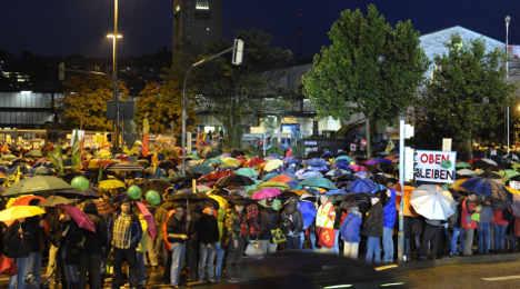 Police arrrest 27 as Stuttgart protesters block road, talks falter
