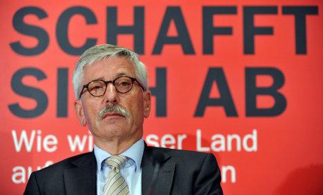 Bundesbank backs Sarrazin's dismissal