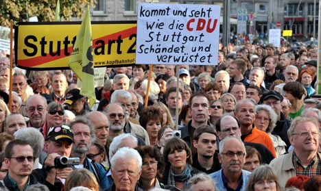 Opposition MPs seek halt to expensive Stuttgart rail project