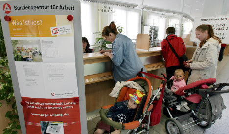 Poor caught in welfare trap, OECD warns