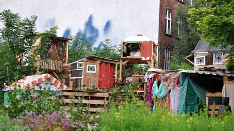 Wayfaring restaurant creates enchanted garden in Berlin