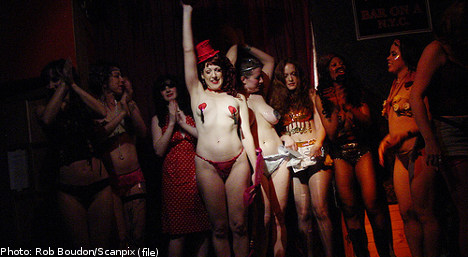 Left Party employs stripper at election party