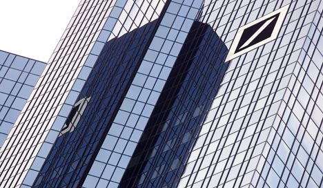 Deutsche to raise €10 bln to swallow Postbank