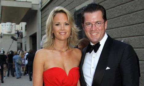 Guttenberg slams 'porn chic' of female pop stars