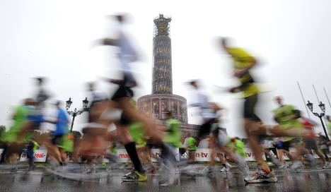 Kenya's Makau wins rainy Berlin marathon after sprint finish