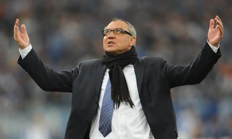 Schalke boss backs beleaguered Magath