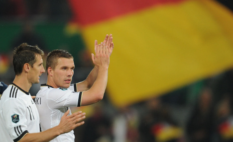 Germany tops group with 6-1 rout against Azerbaijan