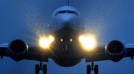 Blinding laser attacks on airline pilots surge